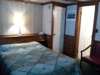 Double room-Ensuite-Standard-Room #9 (1 double bed)