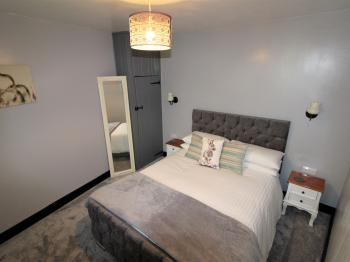 Double room-Ensuite-Courtyard  (2)
