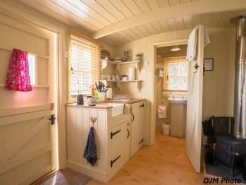 Cabin-Luxury-Ensuite-Shepherds Hideaway