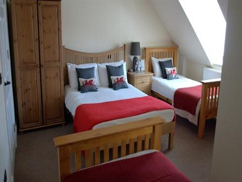 Family room-Standard-Ensuite-(2 Adults + 2 Children) - Base Rate