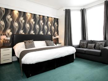 Double room-Executive-Ensuite with Shower - Base Rate