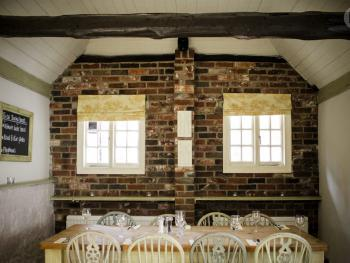 Restaurant/Function room.