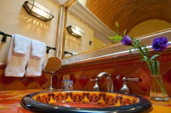 Huichol Room Bathroom