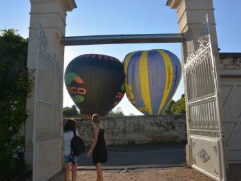 Départ de montgolfières vu de La Pénesais