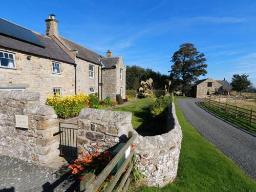 Farmhouse and Lodge at Carraw Bed and Breakfast