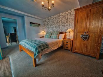 Tegid Lakeside Suite - bedroom