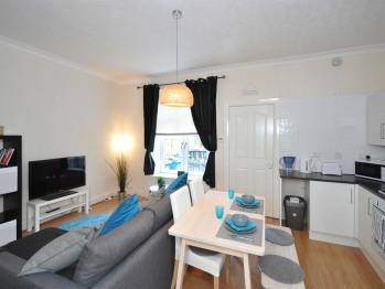 Elmbank Street Apartment - Lounge/Dining room