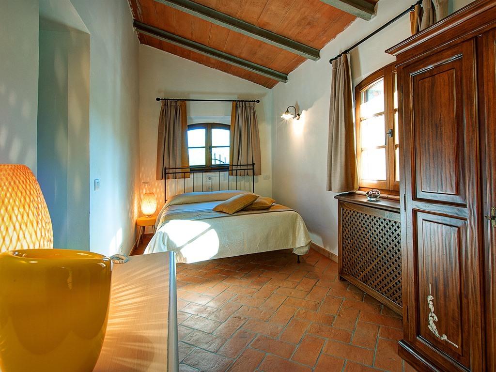 """Matrimoniale-Comfort-Bagno in camera con doccia-Vista giardino-""""Rosa Gialla"""""""