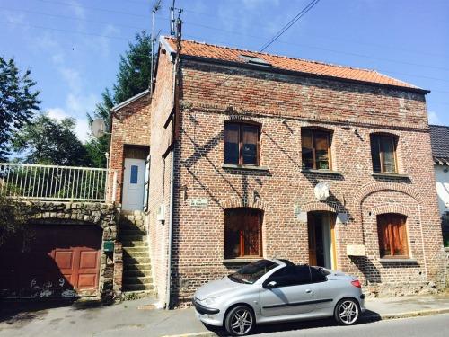 1 Studio d'Hôtes dans l'Ancien Atelier de Forge d'un Maréchal-Ferrant