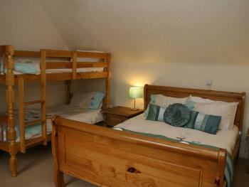 Family room-Classic-Ensuite with Shower-Garden View-Bunk and Additional bed