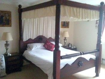 Double room-Ensuite-Four Poster - First Floor