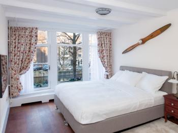 Double DeLuxe Room With King bed