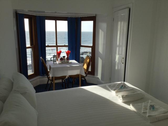 Double room-Ensuite-Sea View