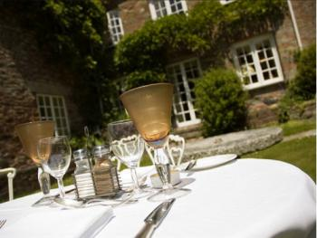 If the weather is nice, enjoy dinner/drinks in the garden