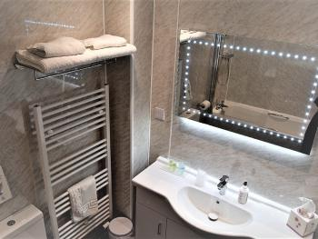 Superior Super-King Double/Twin room en-suite