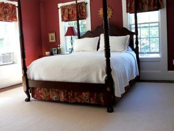 Queen-Ensuite-Deluxe-Garden View-Marga's Room - Base Rate