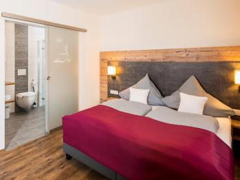 Doppelbett oder zwei Einzelbetten-Ensuite - Basistarif