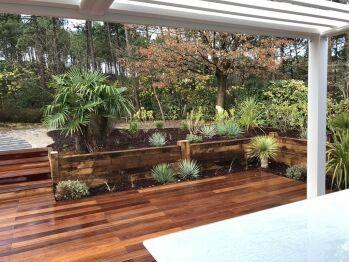 Terrasse et jardin paysagé