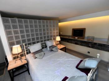Double room-Romantic-Ensuite with Shower-Pool View