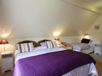 Family room-Ensuite-with King Size bed