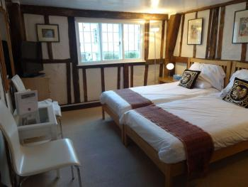 Double room-Shared Bathroom-Middle Room