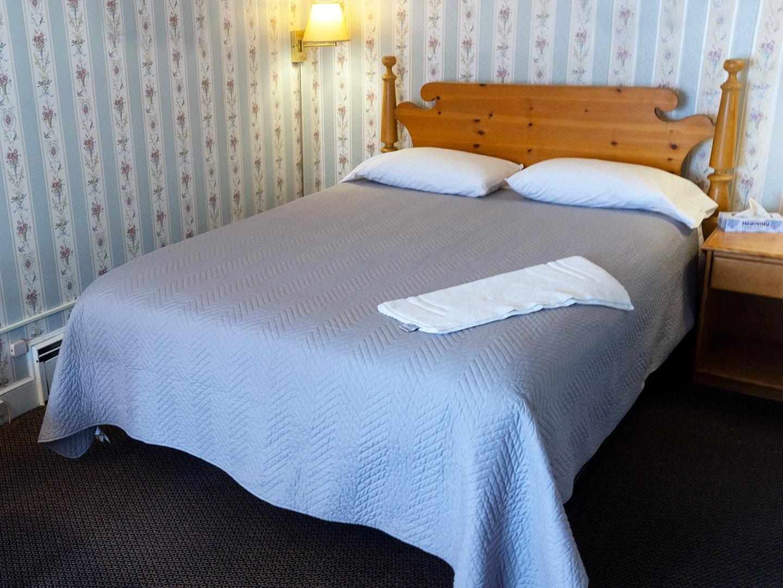Single room-Ensuite-Standard-6 Maple