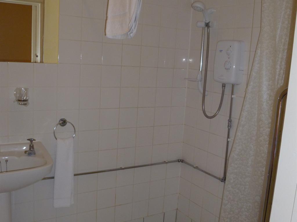 Double En-suite - Disabled Access