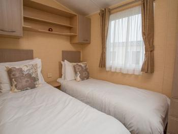 Family room-Ensuite with Bath-Caravans-2 Bdrm-Appleyard