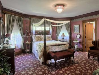 Triple room-Ensuite-Standard-Blossom Room