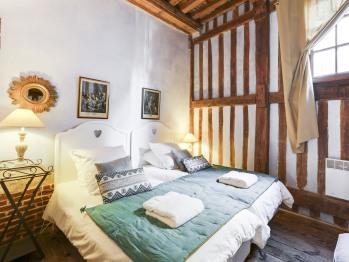 2ème chambre : 2 lis simples ou un lit king size