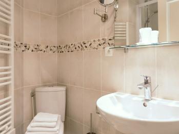 Douche salle de bain chambre confort double