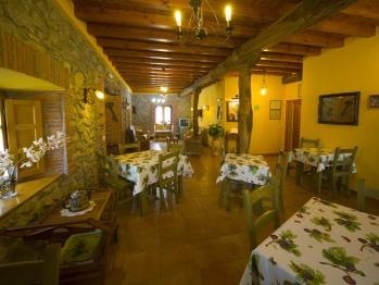 Posada la Rivera de Escalante zona comedor desayuno, más salón de estar