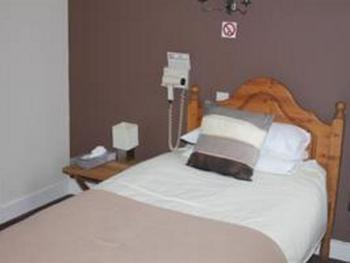 Single-Ensuite-Room Only