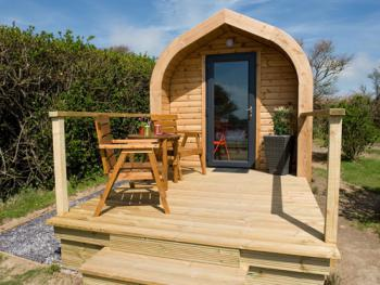 Red Apple Pod - Sleeps 2