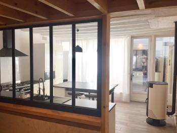 Vue de la cuisine du couloir