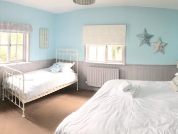 Family room-Comfort-Ensuite-Garden View-Stable Accommodation - Family room-Comfort-Ensuite-Garden View-Stable Accommodation