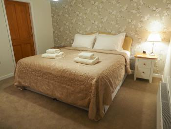 Double room-Superior-Ensuite with Shower-Super King