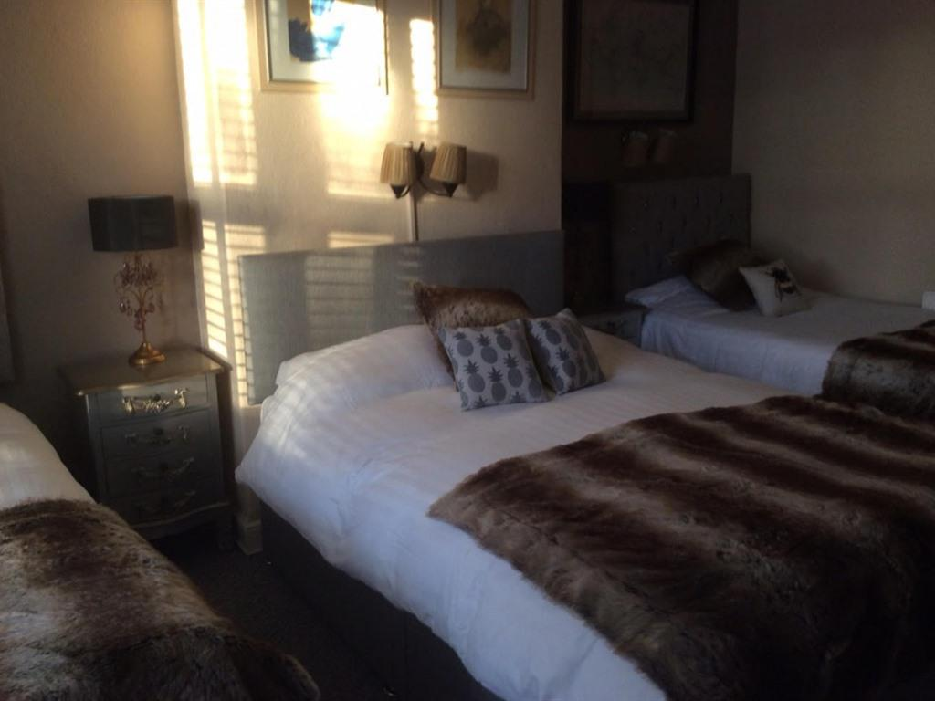Quad room-Ensuite-up to 4 Adults