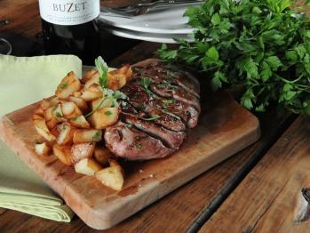 Tonia réalise une cuisine simple et gourmande autour de recettes modernes et inventives.