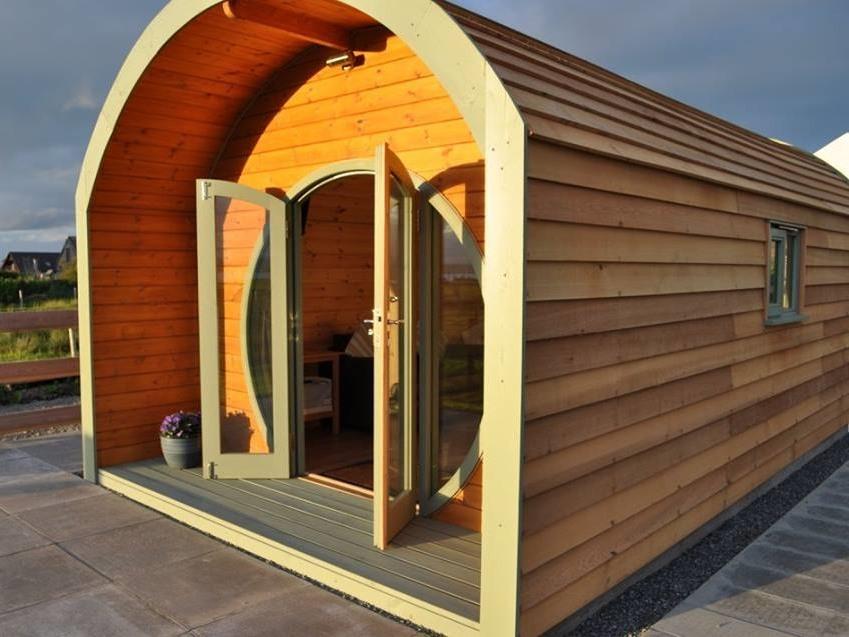 Cedar clad luxury cabin