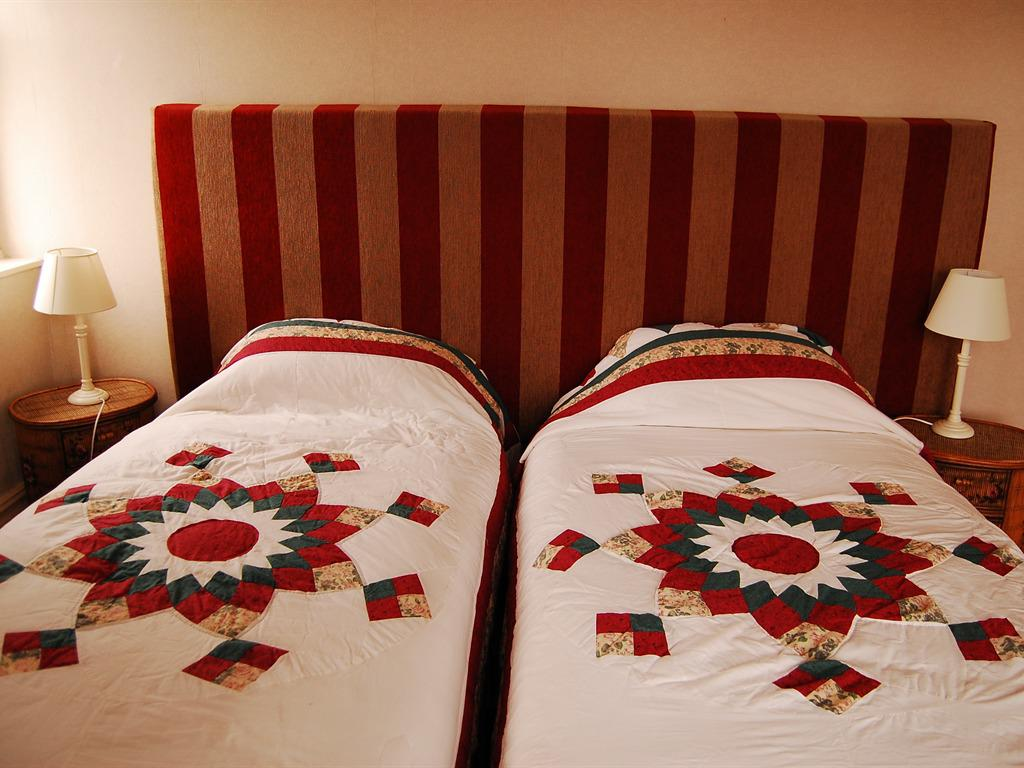 Twin room-Ensuite-Superking 1st Floor - Base Rate