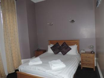 Double room-Ensuite-Spa Bath