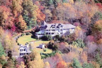 Aerial View of Innisfree Inn in Fall Color