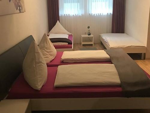 Familienzimmer-Ensuite Dusche-Vierbett Zimmer