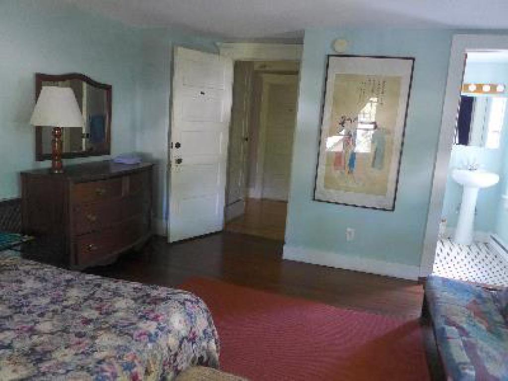 Blue Room with queen bed and private bath