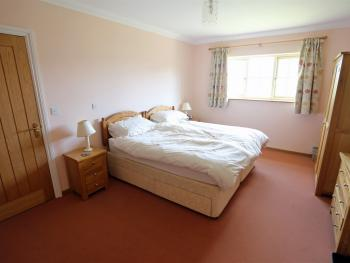 Double or Twin-Ensuite with Shower-with disability access