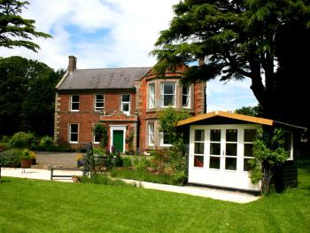 Broomhouse Farmhouse -