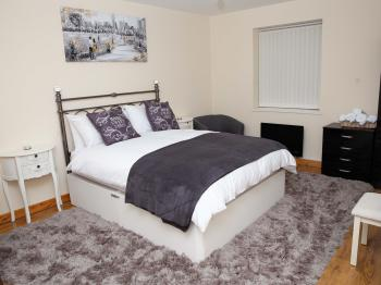 WW Apartments – Seymour Grove - Bedroom 1