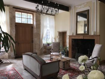 Lounge in main house (bed & breakfast)