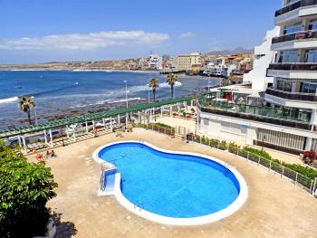 Apartment with pool and magnific sea views in El Medano